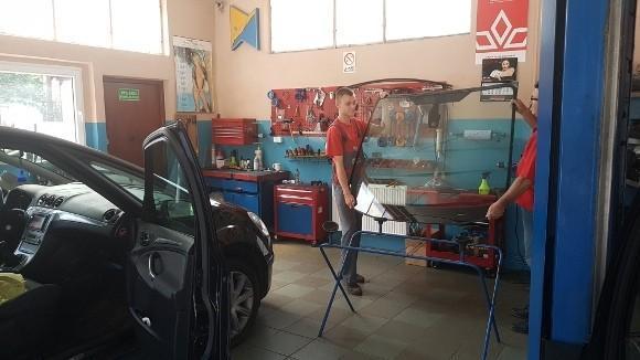 montaż szyby samochodowej 2